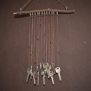 Kulcsos falidísz, dekoráció, szélcsengő , Otthon & Lakás, Ház & Kert, Szélcsengő, Famegmunkálás, Kézzel készült egyedi szélcsengő / szélharang / falidísz / erkélydísz / szobadísz / kerti dekoráció ..., Meska