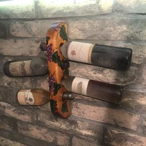 Bortartó 4 darabos egysoros, Férfiaknak, Sör, bor, pálinka, Hagyományőrző ajándékok, Otthon & lakás, Lakberendezés, Tárolóeszköz, Famegmunkálás, Festészet, Egyedi tervezésű és kézzel készült 4 darabos bor tartó.\nKézi festésű minta került rá, így csak is eg..., Meska