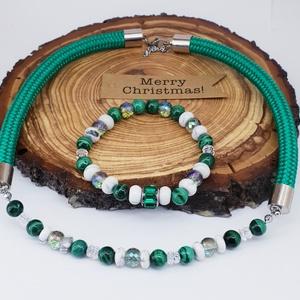 Smaragdzöld kötél nyakék szett , eredeti malachittal, Ékszerszett, Ékszer, Ékszerkészítés, Gyöngyfűzés, gyöngyhímzés, Smaragdzöld kötél nyakék eredeti prémium minőségü malachittal , howlit és hegyikristály lencsével és..., Meska