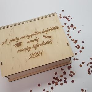 Könyv alakú doboz, Otthon & Lakás, Dekoráció, Dísztárgy, Famegmunkálás, Ballagási ajándékot keresel?! Virágcsokor helyet valami mást szeretnél adni?\nKönyv alakú dobozainkat..., Meska