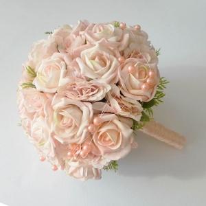 Menyasszonyi csokor , Esküvő, Esküvői csokor, Virágkötés, Minőségi, élethű alapanyagból - habrózsából és selyemvirágokból készítettem azt a gyöngyökkel díszít..., Meska