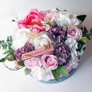 Nagy szülinapi virágdoboz, Otthon & lakás, Gyönyörű selyem hortenziából, habrózsából, szappanrózsából és pink selyem pünkösdi rózsából készítet..., Meska
