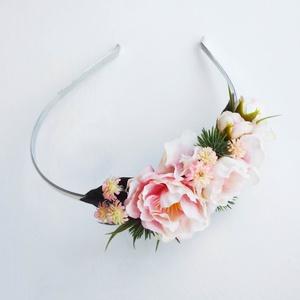 Selyemvirág fejdísz, Esküvő, Esküvői ékszer, Vintage stílusú selyemvirág fejdísz hajpánt alapra  készítettem.  Személyesen átvehető Budapesten pl..., Meska