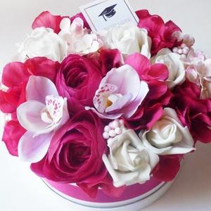 Nagy pink  virágdoboz ballagásra, Otthon & lakás, Lakberendezés, Virágkötés, Gyönyörű selyem orchideából, habrózsából, boglárkából és pink selyem hortenziából készítettem ezt a ..., Meska