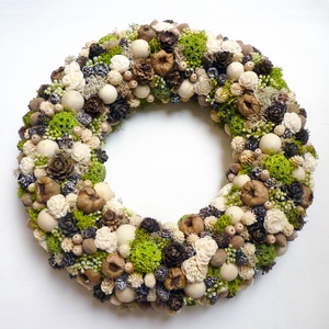 Natúr és zöld kopogtató , Otthon & lakás, Lakberendezés, Ajtódísz, kopogtató, Virágkötés, 30 cm átmérőjű ajtódísz termésekből, mű bogyókból ming rózsából, száraz virágokból készítettem.\n\nSze..., Meska