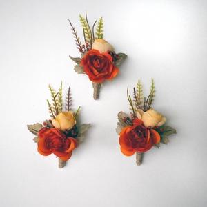 3 db-os őszi bogyós kitűző csomag, Esküvő, Hajdísz, ruhadísz, Virágkötés, Narancssárga selyemrózsa, bogyó és sárga boglárka alkotja ezeket az őszi vintage stílusú kitűzőket. ..., Meska