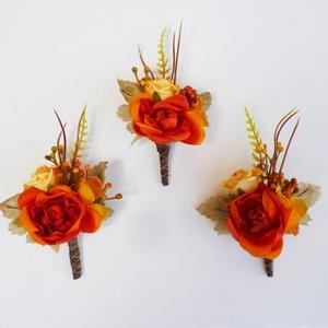 3 db-os őszi bogyós kitűző csomag, Kitűző, Kiegészítők, Esküvő, Virágkötés, Narancssárga selyemrózsa, bogyó és sárga mini rózsa alkotja ezeket az őszi vintage stílusú kitűzőket..., Meska