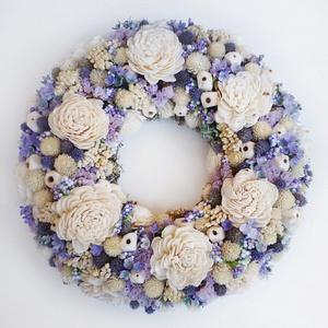 Lila natúr koszorú, Ajtódísz & Kopogtató, Dekoráció, Otthon & Lakás, Virágkötés, Ajtódísz koszorú száraz virágokból, ming rózsából, apró bogyókból és termésekből. Kopogtató vagy fal..., Meska