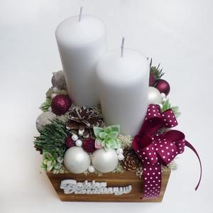 Nagy  karácsonyi doboz, Karácsony & Mikulás, Adventi koszorú, 16 cm-es fa dobozba készült két gyertyás asztaldísz pöttyös szalaggal, kövirózsával és díszekkel. Ma..., Meska