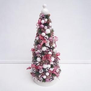 Mini karácsonyfa mályva rózsaszín gömbökkel, Karácsony & Mikulás, Karácsonyi dekoráció, Virágkötés, 32 cm magas mini karácsonyfa, vagy fenyőfa tobozokból és termésekből, bogyókkal. Apró masnik és fehé..., Meska