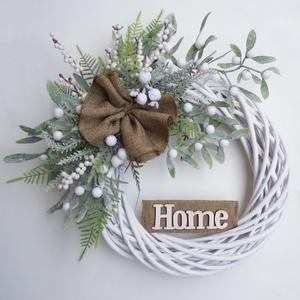 Fagyöngyös \'HOME\' ajtódísz, Otthon & Lakás, Dekoráció, Ajtódísz & Kopogtató, Virágkötés, 30 cm-es alapra készült, élethű fagyöngy bogyókkal, masnival és HOME felirattal díszített téli hangu..., Meska