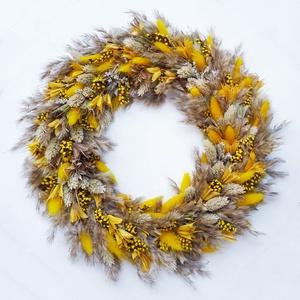 Száraz virág koszorú díszfüvekből, Otthon & Lakás, Dekoráció, Ajtódísz & Kopogtató, Virágkötés, 30-32 cm átmérőjű könnyű koszorú mely ajtódísz vagy fali dísz is lehet. Többféle díszfűből készült f..., Meska