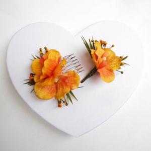Narancs orchidea esküvői szett, Esküvő, Hajdísz, Fésűs hajdísz, Virágkötés, Trópusi stílusú esküvői szett, narancs színű élethű orchideákból. A szett tartalma 1 db vőlegény kit..., Meska
