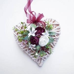 Szív alakú ajtódísz ablakdísz bordó , Karácsony & Mikulás, Karácsonyi kopogtató, Virágkötés, Fonott szív készült ünnepi dísz, ajtóra vagy ablakba.  Valentin napra, szülőköszöntő ajándéknak, an..., Meska