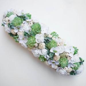 Menta zöld hosszúkás asztaldísz , Otthon & Lakás, Dekoráció, Asztaldísz, Virágkötés, Fehér hosszúkás porcelán tálba készítettem ezt a romantikus menta színű  selyemvirágokból és száraz ..., Meska