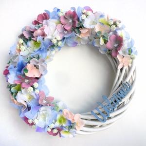 Nagy hortenziás tavaszi ajtódísz koszorú, Otthon & Lakás, Dekoráció, Ajtódísz & Kopogtató, Virágkötés, Kb. 25 cm-es tavaszi ajtódísz kopogtató, selyem hortenziával és apró virágokkal. Fűzfa alapra készít..., Meska