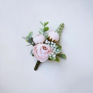 Esküvői púder boglárkás kitűző , Esküvő, Kiegészítők, Virágkötés, Zöld és tpúder színű esküvői kitűző selyemvirágból, vőlegény vagy vőfély részére ajánlom.\n* Átvétel:..., Meska