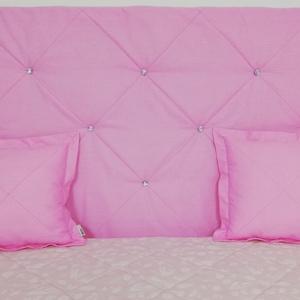 Rózsaszín pamut strassz gombos falvédő, Falvédő, Lakástextil, Otthon & Lakás, Varrás, Egyedi tervezésű strassz gombokkal díszített pamut falvédő.\nEgyedibbé, vidámabbá és egyben komfortos..., Meska