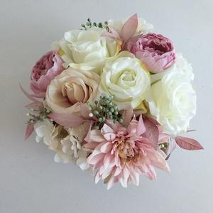Tündér virágbox, Otthon & Lakás, Dekoráció, Asztaldísz, 17 cm átmérőjű papírdoboz az alapja ennek a rózsaszín-fehér kreációnak. Megtalálható benne a dália, ..., Meska