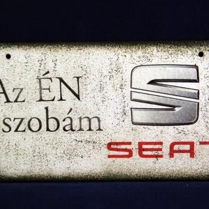 SEAT emblémás ÉN SZOBÁM tábla, Otthon & Lakás, Ajtódísz & Kopogtató, Dekoráció, SEAT emblémás ÉN SZOBÁM tábla ( 20 x 10 cm )  Igazán egyedi Seat ajándék, férjnek, barátnak születés..., Meska