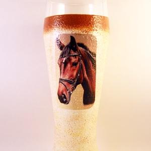 Ló motívummal díszített  sörös pohár / 1. - ( 0,5 L )  , Pohár, Konyhafelszerelés, Otthon & Lakás, Decoupage, transzfer és szalvétatechnika, IDEÁLIS AJÁNDÉK  LÓ  és LOVAGLÁST kedvelők számára .\n\nEGYEDI  FOTÓVAL ( pl . saját ló )  és szövegge..., Meska