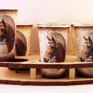 Ló motívummal díszített  pálinkás szett - kínálóval ( 6x5 ml pohár + tartó ), Díszüveg, Dekoráció, Otthon & Lakás, Decoupage, transzfer és szalvétatechnika, Ló motívummal díszített  pálinkás szett - kínálóval ( 6x5 ml pohár + tartó )\n\nIDEÁLIS AJÁNDÉK  LÓ  é..., Meska