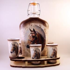 Ló motívummal díszített  pálinkás szett - 0,5 l csatos üveg + 6 x 5 ml pohár + tartó, Otthon & Lakás, Díszüveg, Dekoráció, Decoupage, transzfer és szalvétatechnika, Meska
