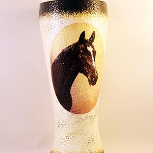 Ló motívummal díszített  sörös pohár / 4. - ( 0,5 L )  , Pohár, Konyhafelszerelés, Otthon & Lakás, Decoupage, transzfer és szalvétatechnika, IDEÁLIS AJÁNDÉK  LÓ  és LOVAGLÁST kedvelők számára .\n\nEGYEDI  FOTÓVAL ( pl . saját ló )  és szövegge..., Meska