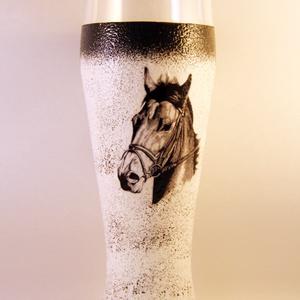 Ló motívummal díszített  sörös pohár / 6. - ( 0,5 L )  , Pohár, Konyhafelszerelés, Otthon & Lakás, Decoupage, transzfer és szalvétatechnika, IDEÁLIS AJÁNDÉK  LÓ  és LOVAGLÁST kedvelők számára .\n\nEGYEDI  FOTÓVAL ( pl . saját ló )  és szövegge..., Meska
