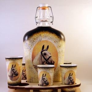 Ló motívummal díszített  pálinkás szett II. ( 0,5 l üveg+6x50 ml pohár +tartó ) , Otthon & Lakás, Díszüveg, Dekoráció, IDEÁLIS AJÁNDÉK  LÓ  és LOVAGLÁST kedvelők számára .  EGYEDI  FOTÓVAL ( pl . saját ló )  és szövegge..., Meska