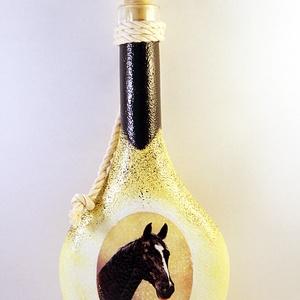 Ló motívummal díszített dugós  pálinkás üveg ( 0,2 l ) , Díszüveg, Dekoráció, Otthon & Lakás, Decoupage, transzfer és szalvétatechnika, IDEÁLIS AJÁNDÉK  LÓ  és LOVAGLÁST kedvelők számára .\n\nEGYEDI  FOTÓVAL ( pl . saját ló )  és szövegge..., Meska