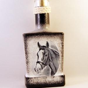 Ló motívummal díszített dugós  pálinkás üveg ( 0,2 l ) , Otthon & Lakás, Díszüveg, Dekoráció, Decoupage, transzfer és szalvétatechnika, Meska