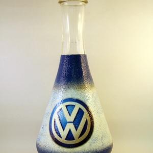 VOLKSWAGEN bor kiöntő, dekantáló ; Volkswagen autód fényképével is!, Otthon & Lakás, Díszüveg, Dekoráció, Decoupage, transzfer és szalvétatechnika, Meska