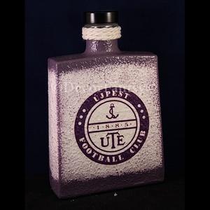 UTE emblémával díszített csavaros pálinkás üveg ( 0,5 l ) , Férfiaknak, Sör, bor, pálinka, Focirajongóknak, Otthon & lakás, Konyhafelszerelés, Decoupage, transzfer és szalvétatechnika, IDEÁLIS AJÁNDÉK  a márka rajongóinak !\n\nEGYEDI  FOTÓVAL ( pl . saját autó )  és szöveggel is eltudju..., Meska
