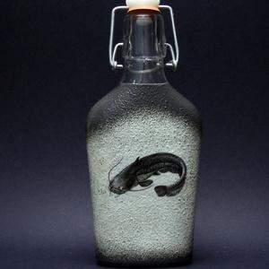 Hal (harcsa ) motívummal díszített pálinkás üveg  (0,2l )  - horgászoknak -férjeknek-barátoknak -születésnapra-névnapra , Férfiaknak, Sör, bor, pálinka, Otthon & lakás, Horgászat, vadászat, Decoupage, transzfer és szalvétatechnika, IDEÁLIS AJÁNDÉK A HALAK ÉS A HORGÁSZAT  SZERELMESEINEK. \n\nEgy igazán különleges -egyedi ajándékkal l..., Meska