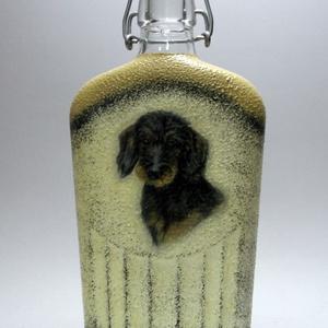 Kutya -TACSKÓ- motívummal díszített pálinkás üveg; Házi kedvenc rajongóknak ;Egyedi állat fotóval is ! -férfi-nő-gyermek, Otthon & Lakás, Dekoráció, Díszüveg, Decoupage, transzfer és szalvétatechnika, Kutya -TACSKÓ- motívummal díszített pálinkás üveg; Házi kedvenc rajongóknak ;Egyedi állat fotóval is..., Meska