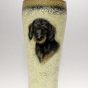 Kutya motívummal ( TACSKÓ ) díszített sörös pohár ; Házi kedvenc rajongóknak ;Egyedi állat fotóval is !, Otthon & Lakás, Dekoráció, Díszüveg, Decoupage, transzfer és szalvétatechnika, Kutya motívummal - TACSKÓ - díszített sörös pohár ( 0,5 l ) \n\nHázi kedvenc rajongóknak ;Egyedi állat..., Meska