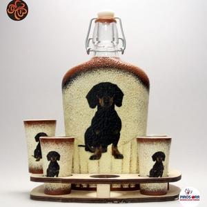 Kutya motívummal ( tacskó) díszített nagy pálinkás szett ; Házi kedvenc rajongóknak ;Egyedi állat fotóval is !, Otthon & Lakás, Konyhafelszerelés, Pohár, Decoupage, transzfer és szalvétatechnika, Meska