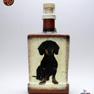 Kutya motívummal ( tacskó) díszített pálinkás üveg  ; Házi kedvenc rajongóknak ;Egyedi állat fotóval is !, Otthon & Lakás, Konyhafelszerelés, Pohár, Decoupage, transzfer és szalvétatechnika, Meska