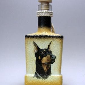 Kutya motívummal ( dobermann) díszített pálinkás üveg  ; Házi kedvenc rajongóknak ;Egyedi állat fotóval is !, Otthon & Lakás, Konyhafelszerelés, Pohár, Decoupage, transzfer és szalvétatechnika, Meska