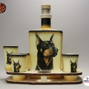 Kutya motívummal ( dobermann  ) díszített nagy pálinkás szett ; Házi kedvenc rajongóknak ;Egyedi állat fotóval is !, Otthon & Lakás, Konyhafelszerelés, Pohár, Decoupage, transzfer és szalvétatechnika, Meska