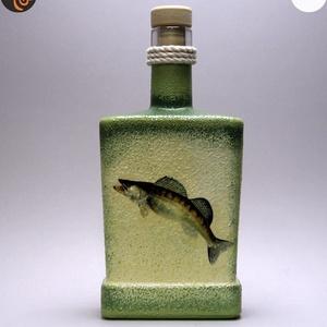 Horgász- süllő motívummal díszített -pálinkás üveg . A horgászat szerelmeseinek . Saját fogások fotóival is !, Otthon & Lakás, Konyhafelszerelés, Pohár, Decoupage, transzfer és szalvétatechnika, Horgász-süllő motívummal díszített -pálinkás üveg(0,5 l)\nA horgászat szerelmeseinek . Saját fogások ..., Meska