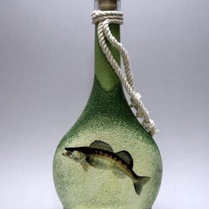 Horgász- süllő motívummal díszített -pálinkás üveg . A horgászat szerelmeseinek . Saját fogások fotóival is !, Otthon & Lakás, Konyhafelszerelés, Pohár, Decoupage, transzfer és szalvétatechnika, Horgász- süllő motívummal díszített -pálinkás üveg(0,2 l)\nA horgászat szerelmeseinek . Saját fogások..., Meska