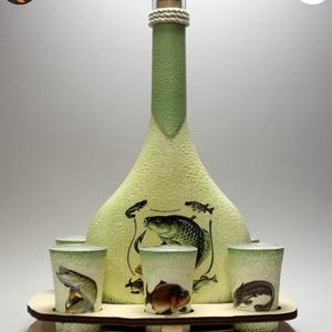 Horgász-  hal motívummal díszített -nagy pálinkás szett. A horgászat szerelmeseinek . Saját fogások fotóival is !, Otthon & Lakás, Dekoráció, Díszüveg, Horgász- hal motívummal díszített -nagy szett: pálinkás üveg(0,5 l); 6 db pohár+ fatartó A horgászat..., Meska
