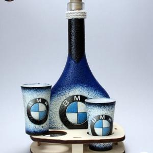 BMW pálinkás szett ; Saját BMW autód fotójával is! , Otthon & Lakás, Konyhafelszerelés, Pohár, Decoupage, transzfer és szalvétatechnika, BMW pálinkás szett ( 0,2l + 2x 45 ml + fatartó ) \n\nIgazán egyedi BMW ajándék, férfiaknak születésnap..., Meska