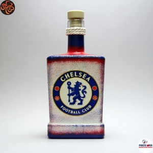 Chelsea FC nagy whiskys üveg ; apa, testvér, férj, barát számára, Otthon & Lakás, Dekoráció, Díszüveg, Decoupage, transzfer és szalvétatechnika, Chelsea FC emblémával díszített nagy italos üveg ( 0,5 l ) ;\n\nIgazán egyedi Chelsea szurkolói ajándé..., Meska
