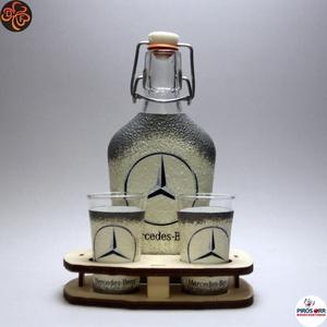 MERCEDES pálinkás készlet ; Mercedes rajongóknak, Otthon & Lakás, Konyhafelszerelés, Pohár, Decoupage, transzfer és szalvétatechnika, MERCEDES pálinkás készlet ( 0,2l + 2 x 45ml + fatartó) \n\nIgazán egyedi Mercedes ajándék, férjnek, ba..., Meska