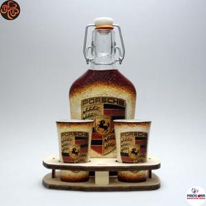 PORSCHE italos készlet ; Prémium minőségben, Otthon & Lakás, Dekoráció, Díszüveg, PORSCHE italos készlet csatosüveggel ( 0,2l  + 2 x 45ml + fatartó)   Igazán egyedi Porsche ajándék, ..., Meska
