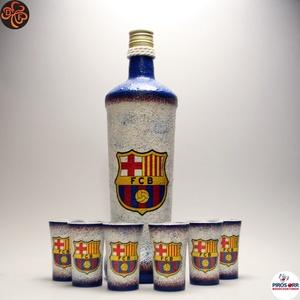 FC Barcelona pálinkás készlet ; futball szurkolóknak, Otthon & Lakás, Dekoráció, Díszüveg, Decoupage, transzfer és szalvétatechnika, FC Barcelona pálinkás készlet ( 0,75l + 6x 45ml ) \n\nA saját foci csapatod  fotójával is elkészítjük...., Meska