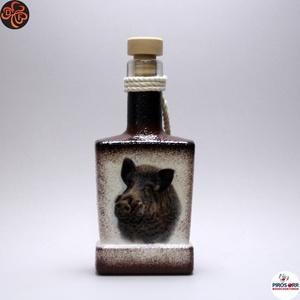 Vadász - vaddisznó motívummal - italos flaska, Otthon & Lakás, Dekoráció, Díszüveg, Decoupage, transzfer és szalvétatechnika, Vadász - vaddisznó motívummal - italos flaska ( 0,2l )  \nA VADÁSZAT ÉS A TERMÉSZET SZERELMESEINEK.\n\n..., Meska